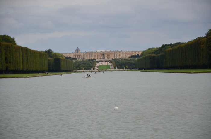 The view from the end of Le Grand Canal to Versailles